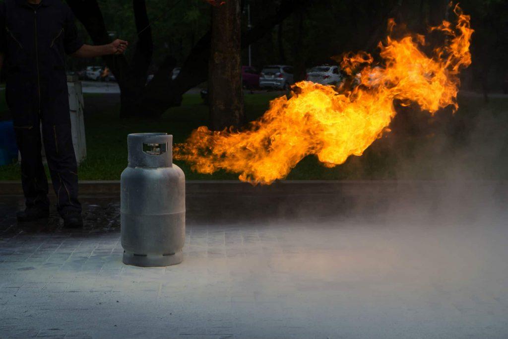 Consejos para evitar incendios en depósitos