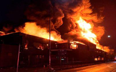 ¿Cuál es el procedimiento de emergencia por incendio en un Supermercado?